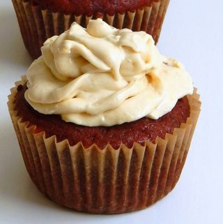 Sugar free and probiotic kefir cheese frosting