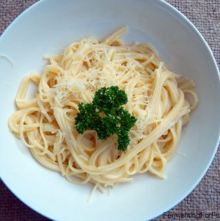 Simple and Probiotic Fettuccine Alfredo Sauce for pasta