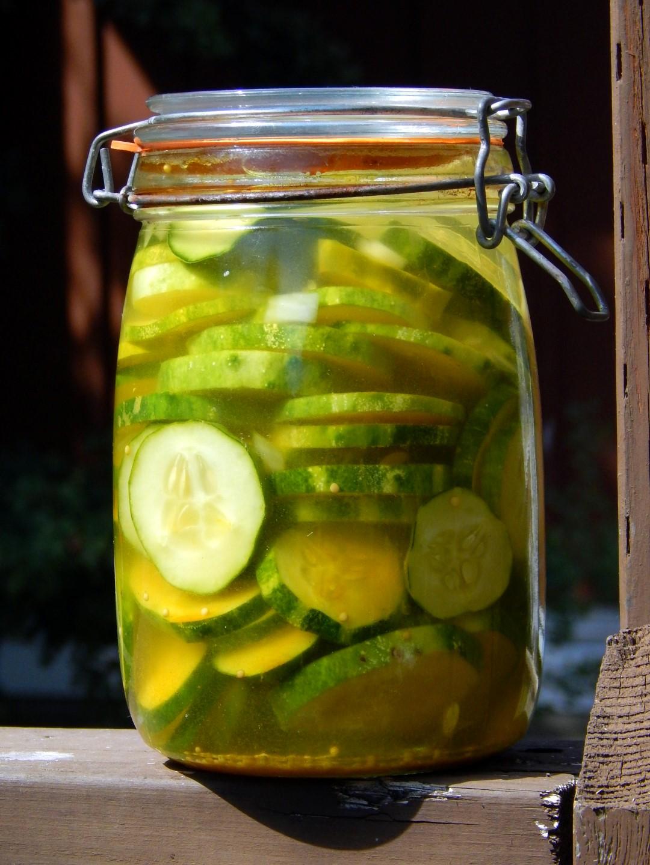 Fido jar of honey garlic pickles