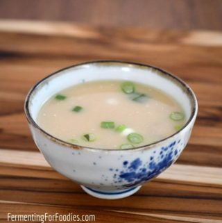 How to make a simple miso soup in less than 10 minutes!