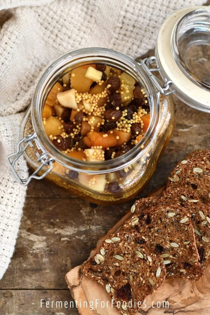 How to make fermented mostarda with fresh or dried fruit and honey