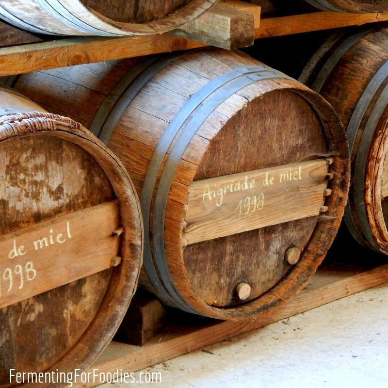 Learn about apple based alcoholic beverages from a traditional chouchen maker from Brittany