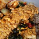 Learn how to make tempeh following a traditional soybean recipe