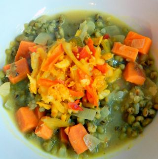 Quick mung bean curry with fermented vegetables