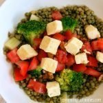 Pan-fried halloumi salad with lentils, broccoli and tomatoes