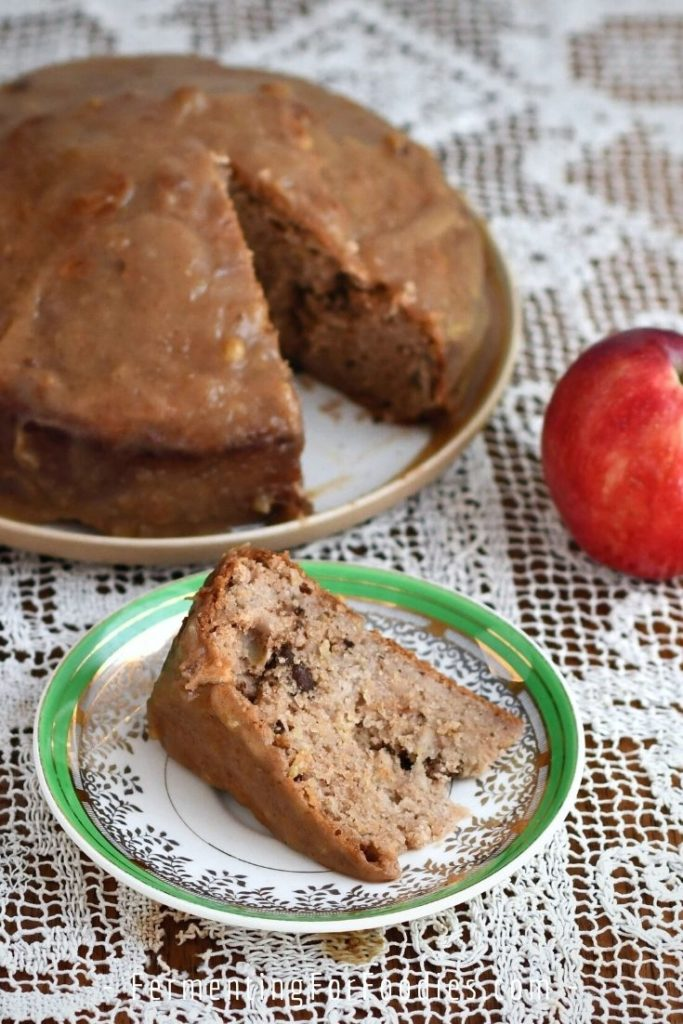 Simple, delicious and healthy apple cake. Perfect for tea!
