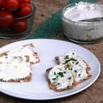 How to make goat cheese and flavour it with herbs, garlic or fruit