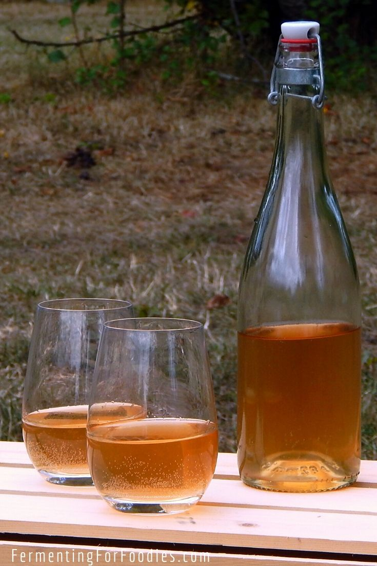 Whole pears naturally ferment into a sweet and sparkling pear cider without added sulfites
